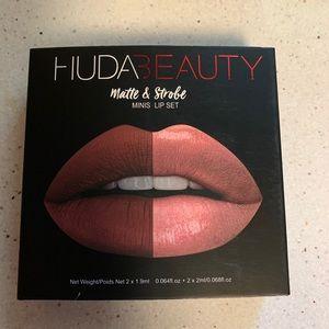 Huda 4 Pc Mini's Matte & Strobe Lip Color New